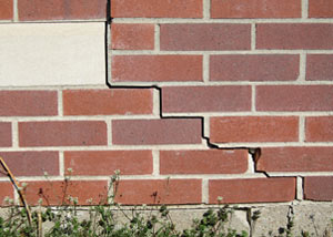a foundation wall crack on a Auburn home.